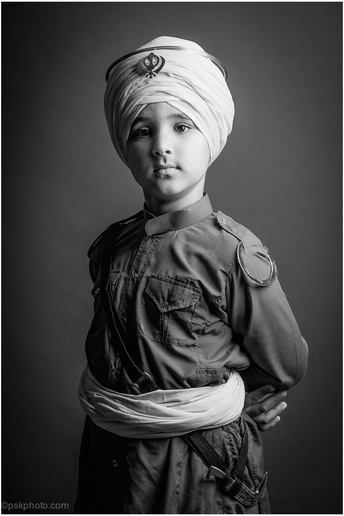 A young Sikh boy pictured wearing Sikhi Saroop e6efb936b3f